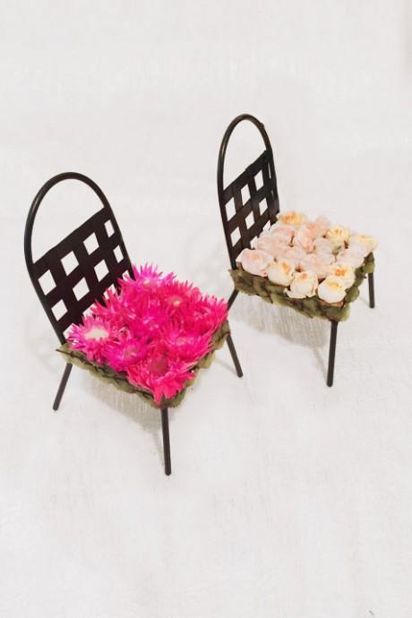 כסאות-עם-פרחים